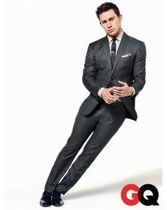 Dark grey, slim fitted suit. Channing Tatum