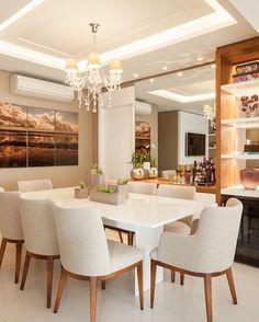 """Arquitetura e Decoração (@layoutdecor_) no Instagram: """"Inspiração do dia com uma sala super elegante e com cores clean + detalhes em madeira ✨ #layoutdecor"""""""