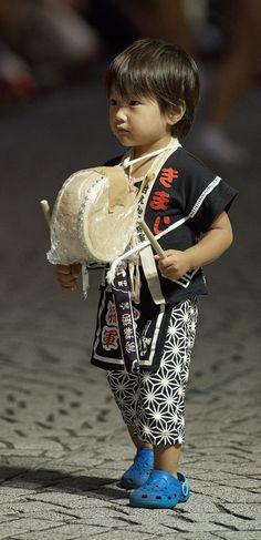 One of the youngest participants of the Mitaka Awa Odori. Tokyo, Japan.   August 31, 2014.  Photography by Bernard Languiller on Flickr