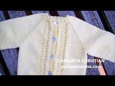 tutorial para hacer una Chaqueta de bebé a dos agujas paso a paso, e instrucciones escritas Cardigan Bebe, Knit Cardigan, Knitting For Kids, Baby Knitting, Baby Poncho, Crochet Baby Shoes, Baby Sweaters, Camila, Baby Dress