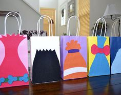 TROLLS FAVOR BAGS - Set of 12 Trolls favor bags, Trolls Birthday, Trolls party, Trolls invitation, Trolls Cake, Trolls party favors