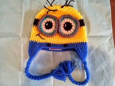 Minion Beanie – 9­12 month old  Inspired by the movie:  Despicable Me  Tutorial How to crochet 9­12 month old Minion Beanie. By Sabrina @ ...