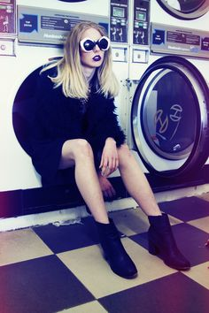 500px / Photo Laundromat photoshoot by Grace Robinson