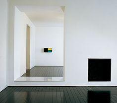 Anorher example of John Pawson's mastership of framing. The Van Royen apartment in London.