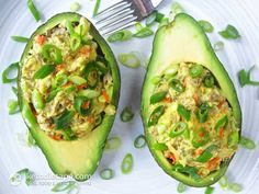 Paleo Stuffed Avocado  Tried it and loved it! Used tuna instead of sardines. Tuna  avocado. Côté