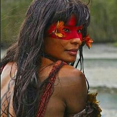 THE NATIVE PEOPLE OF BRAZIL - The bright and beautiful natives of Brazil. In 2007 the National Indian Foundation or FUNAI (a Brazilian governmental protection agency for Indian interests and their culture) reported that it had confirmed the presence of 67 Warrior Princess, Beautiful World, Beautiful People, Beauty Around The World, Portraits, Interesting Faces, People Around The World, World Cultures, Belle Photo
