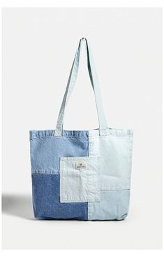 Patchwork Denim, Patchwork Bags, Denim Tote Bags, Diy Tote Bag, Cotton Tote Bags, Denim Bags From Jeans, Cute Tote Bags, Accessoires Ipad, Tote Bag With Pockets
