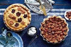Surprisingly, pecan pie is a relative latecomer to the Southern table. Recipes for milk-custard-based pecan pies can be found as early as but it Ice Cream Recipes, Pie Recipes, Dessert Recipes, Retro Recipes, Recipes Dinner, Delicious Recipes, Cheesecakes, Mincemeat Pie, Christmas Desserts