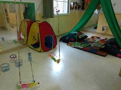 My Yellow Room: Play scenarios at the Initial Level. Reggio Emilia, Lesson Plans, Ideas Para, Kids Rugs, How To Plan, Yellow, Room, Home Decor, Carrera