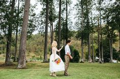 cute-DIY-bunting-wedding-barn-winery-qld-julian-beattie-retro-vintage-bride11 http://hellomay.com.au/article/a-canungra-valley-wedding-amanda-luke-diy-bunting-bright-country-retro-bride/