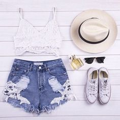 Pretty, casual outfit for the summertime