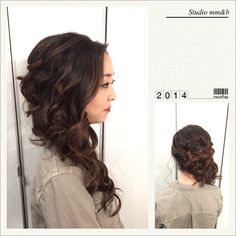 Romantic bridal side swept hairstyle.  Style by Studio mm&b