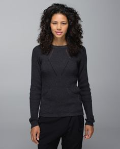 Sometimes settling into Savasana in an air-conditioned studio can feel like trying to relax in a freezer. We designed this lightweight sweater to help us cool down comfortably once we stop moving on our mat. The slim fit layers easily over our tank and under a jacket so we can go straight from class to the cafe.