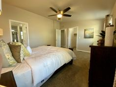 × 2 of 21 Your Location: Greensburg,KY change location Metolius Cabin 2 Buying A Manufactured Home, Palm Harbor Homes, Granny Flat, Modular Homes, House Floor Plans, Beach House, Cabin, Flooring, Bedroom