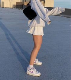 Tennis skirt and nikes💕 Trend Fashion, Look Fashion, Unique Fashion, Fashion Tips, Korean Fashion, Young Fashion, Winter Fashion Outfits, 70s Fashion, Fashion 2020