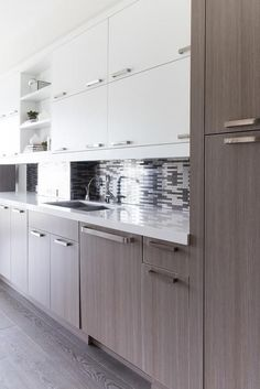 Best Gray Cabinets And White Counters And Walls Love The Hood 640 x 480