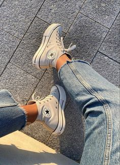 Mode Converse, Converse Sneaker, Sneaker Outfits, Sneakers Mode, Outfits With Converse, Sneakers Fashion, Fashion Shoes, Fashion Outfits, Vans Sneakers