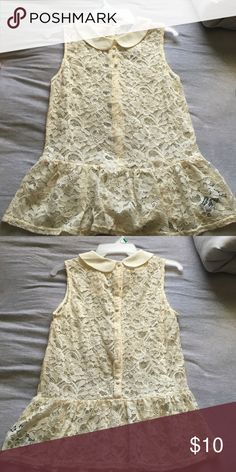 Lace blouse Beautiful - never worn lace blouse. Forever 21 Tops Blouses