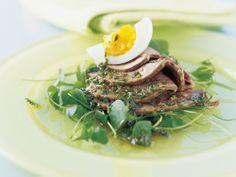 Siedfleisch und Ei mit Vierkräutersauce nach Saison-Küche