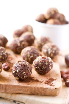These chocolate hazelnut truffles are a healthy snack and they taste amazing and so sweet. It's a guilt-free recipe, made with natural ingredients.