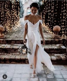 onlybridals Boho Lace Tulle Wedding Dresses Cap Sleeves V-Neck Sexy Backless Beach Bridal Gowns - Wedding Dress With Sleeves Making A Wedding Dress, Wedding Dress Chiffon, Tulle Wedding, Wedding Dress Styles, Dream Wedding Dresses, Wedding Gowns, Boho Wedding, Wedding Beach, Budget Wedding