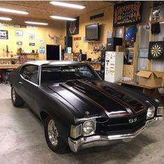 Classic Cars and Trucks : Photo - My list of the best classic cars Chevy Pickup Trucks, Chevy Muscle Cars, Best Classic Cars, Sweet Cars, Chevrolet Chevelle, Hot Cars, Motor Car, Dream Cars, Dream Big