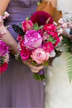 hot pink and burgandy bouquet