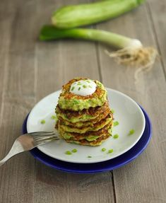 Zucchini Fritters (Low Carb & Gluten-Free) - The Iron You -- Become A Better, Healthier You Gluten Free Recipes, Low Carb Recipes, Real Food Recipes, Vegan Recipes, Cooking Recipes, Yummy Recipes, Dinner Recipes, Veggie Dishes, Vegetable Recipes
