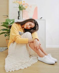 White Keds, Keds Champion, Jennie Kim Blackpink, Actors & Actresses, Casual Outfits, Hair Beauty, Dresses With Sleeves, Portrait, Wedding Dresses