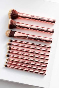 Bh cosmetics 11 Piece Makeup Brush Set - Eye Makeup Tutorials and Tips Best Makeup Brushes, Eye Brushes, Makeup Tools, Best Makeup Products, Eyeshadow Brushes, Beauty Products, Beauty Brushes, Makeup Hacks, Makeup Brands