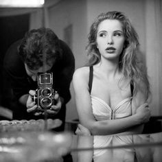 Julie Delpy photographed by Stéphane Coutelle 1990 Pretty People, Beautiful People, Divas, Julie Delpy, Portraits, French Actress, American Actress, Hollywood Celebrities, Beautiful Actresses
