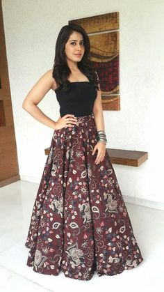 Rashi Khanna 2016 Beautiful Photos In Black Color Dress - Bollywood Stars Indian Gowns Dresses, Indian Fashion Dresses, Dress Indian Style, Indian Designer Outfits, Designer Dresses, Kurti Designs Party Wear, Lehenga Designs, Churidar Designs, Indian Wedding Outfits