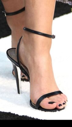 9941a8805692 Where can I buy a pair like this. For me size 11 I m