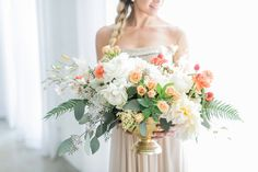 Modern romantic centerpiece | SouthBound Bride | Credit: Alexis June Weddings | http://www.southboundbride.com/romantic-modern-wedding-inspiration-from-aisle-society