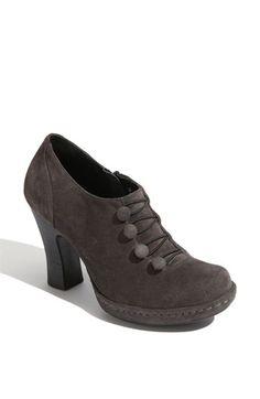 I LOVE this shoe!!!!  Børn 'Hetty' Bootie