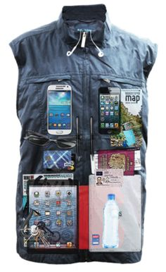 AyeGear® Travel Vest with 23 Pockets including iPad Pockets