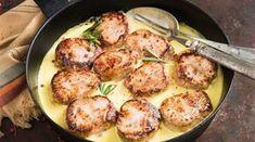 Porsaan sisäfilee leikataan noiseteiksi ja tarjoillaan herkullisessa bearnaisekastikkeessa. Mikä parasta, tämä herkkuruoka valmistuu helposti ja nopeasti! Leikkaa sisäfilee noin 3 cm kokoisiksi noiset... Pork Recipes, Recipies, Food Inspiration, Potato Salad, Food Porn, Good Food, Food And Drink, Tasty, Dishes