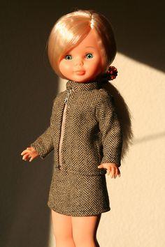 274. En la universidad Vestidos Nancy, Pram Toys, Nancy Doll, Kids Zone, American Girl Clothes, Sewing Dolls, Doll Clothes, Girl Outfits, Summer Dresses