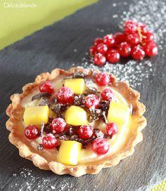 Tartaletas de crema de chocolate blanco con frutas.  Ideas que mejoran tu vida