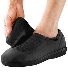 10+ Best Wide Footwear for Swollen Feet