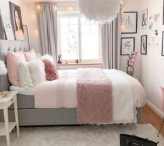 Bohemian Minimalist with Urban Outfiters Bedroom Ideas Bedroom. - Frida Rath - Bohemian Minimalist with Urban Outfiters Bedroom Ideas Bedroom. Bohemian Minimalist with Urban Outfiters Bedroom Ideas Bedroom Goals! Teen Bedroom Designs, Room Ideas Bedroom, Modern Bedroom Design, Small Room Bedroom, Home Decor Bedroom, Bedroom Furniture, Bedroom Inspo, Decor Room, Teen Bed Room Ideas
