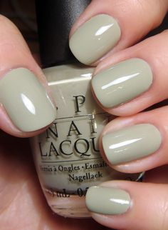 green nails Best Spring Nail Polish Shades Do You Need Childcare When You Work At Home? Spring Nail Colors, Spring Nails, Summer Nails, Trendy Nails, Cute Nails, Nagellack Design, Opi Nails, Nail Polishes, Stiletto Nails