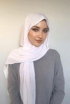 Simple Hijab Tutorial, Hijab Style Tutorial, Turkish Hijab Tutorial, Square Hijab Tutorial, Hijab Turban Style, Mode Turban, Stylish Hijab, Modern Hijab, Chiffon Hijab