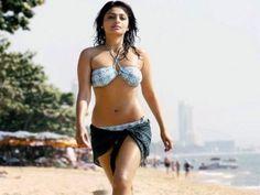 Aruna Shields Bikini