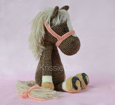 This pattern is available for €3.95 EUR (4.50) This pattern is available in Dutch and English (German coming soon)  Let me introduce to you: Horse Piem!! calls for fingering weight, so worsted would be huge.. may try a different pattern instead like one that i already have :)