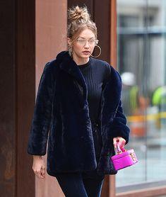 Mimi Cuttrell lo tiene claro, el mejor look se consigue con pieles falsas y accesorios exclusivos