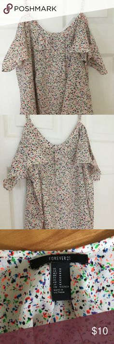 Forever21 Cold Shoulder Top Cold shoulder top with adjustable straps. Has rainbow dot pattern. Only wore once. Excellent condition!! Perfect for summer! 100% polyester Forever 21 Tops Tank Tops