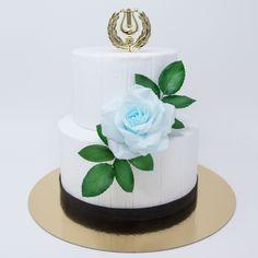 ylioppilaskakku ja sininen ruusukoriste Cake Decorations, Studio, Desserts, Food, Tailgate Desserts, Deserts, Eten, Postres, Dessert