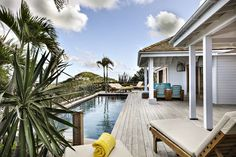 Discover Villa Marie Saint Barth, our luxury hotel & spa in Saint-Barthelemy island for a tropical chic getaway in the Caribbean. Gypset Style in this french boutique Hotel. Bungalows, San Juan Hotels, Hotel Villas, French Boutique, Island Villa, Vogue Mexico, Spa, Hotel Services, Hotel Stay