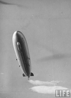 July The first Zeppelin flight takes place on Lake Constance near Friedrichshafen, Germany. (invented by Ferdinand von Zeppelin, a German). Ballon, Air Balloon, Led Zeppelin Ii, Flying Vehicles, Old Planes, Vintage Airplanes, Ex Machina, Dieselpunk, Old Photos